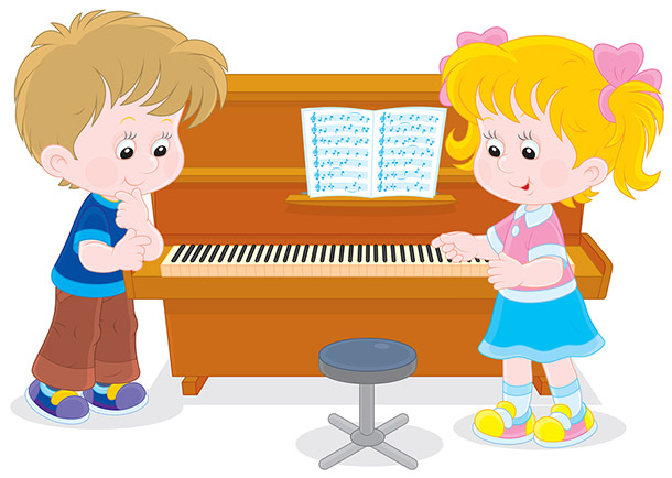 Children at piano in music class for toddlers